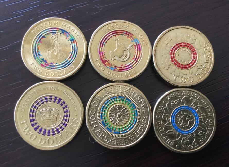 色のついた$2コイン