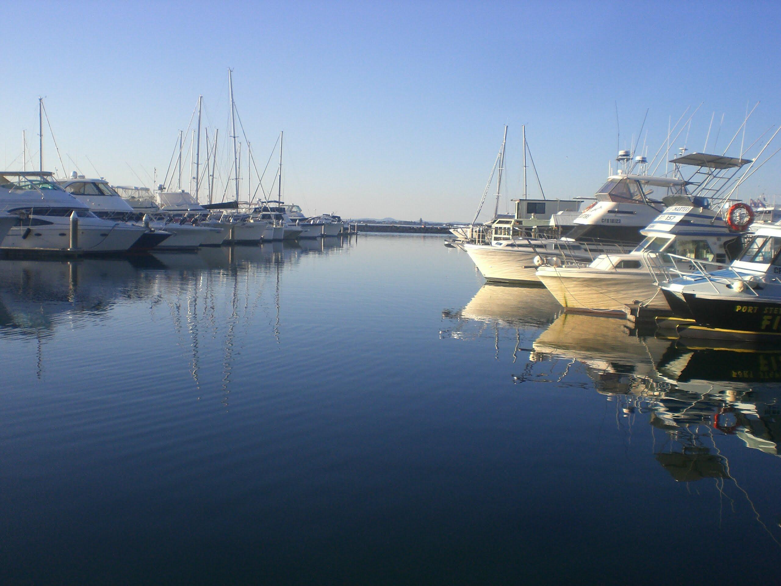 シドニーから約2時間のリゾート地ポートスティーブンス (Port Stephens) の観光
