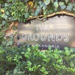 癒しのカフェレストラン THE GROUNDS
