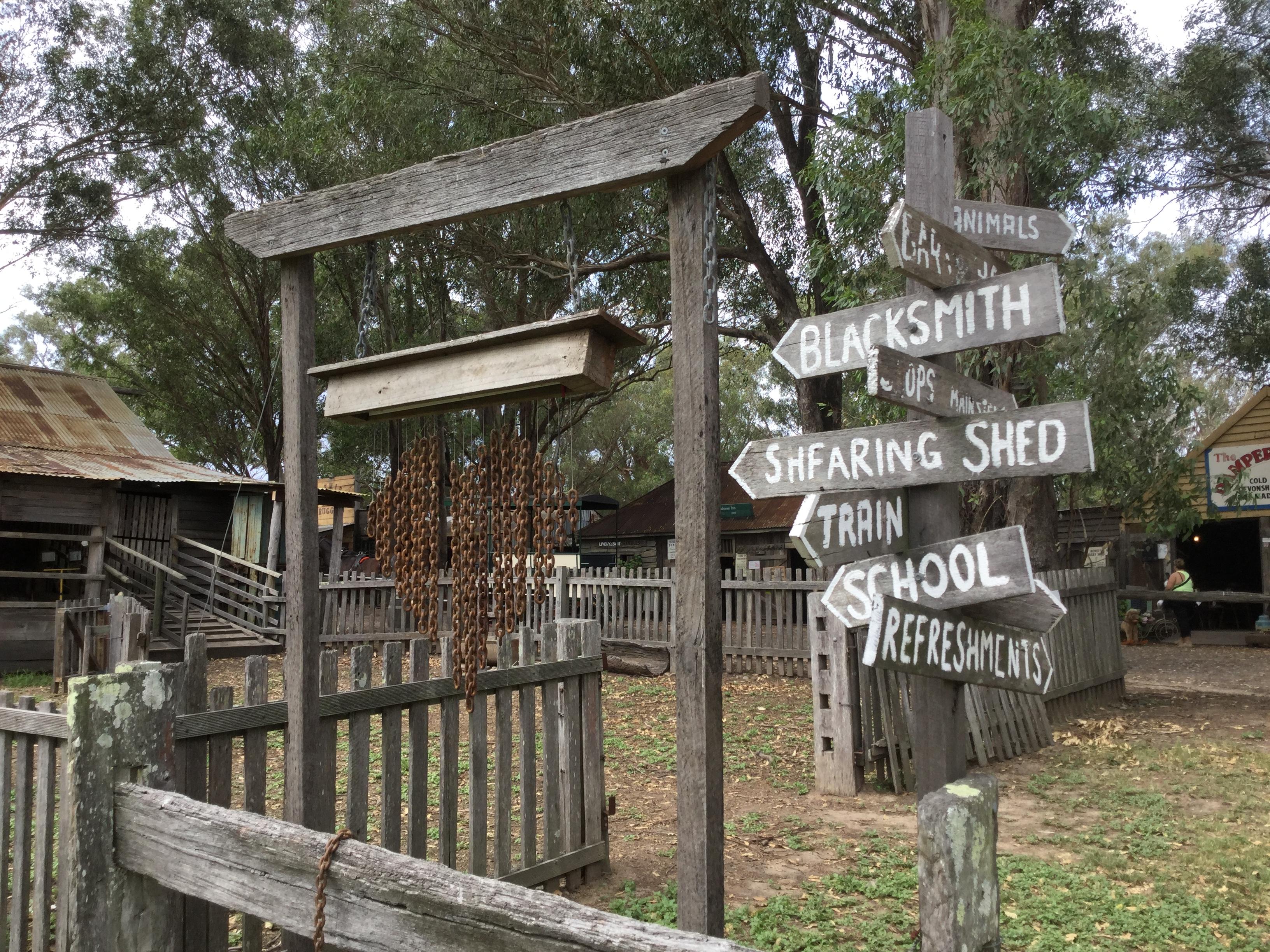 オーストラリアの開拓者の村で時代を感じるお買い物