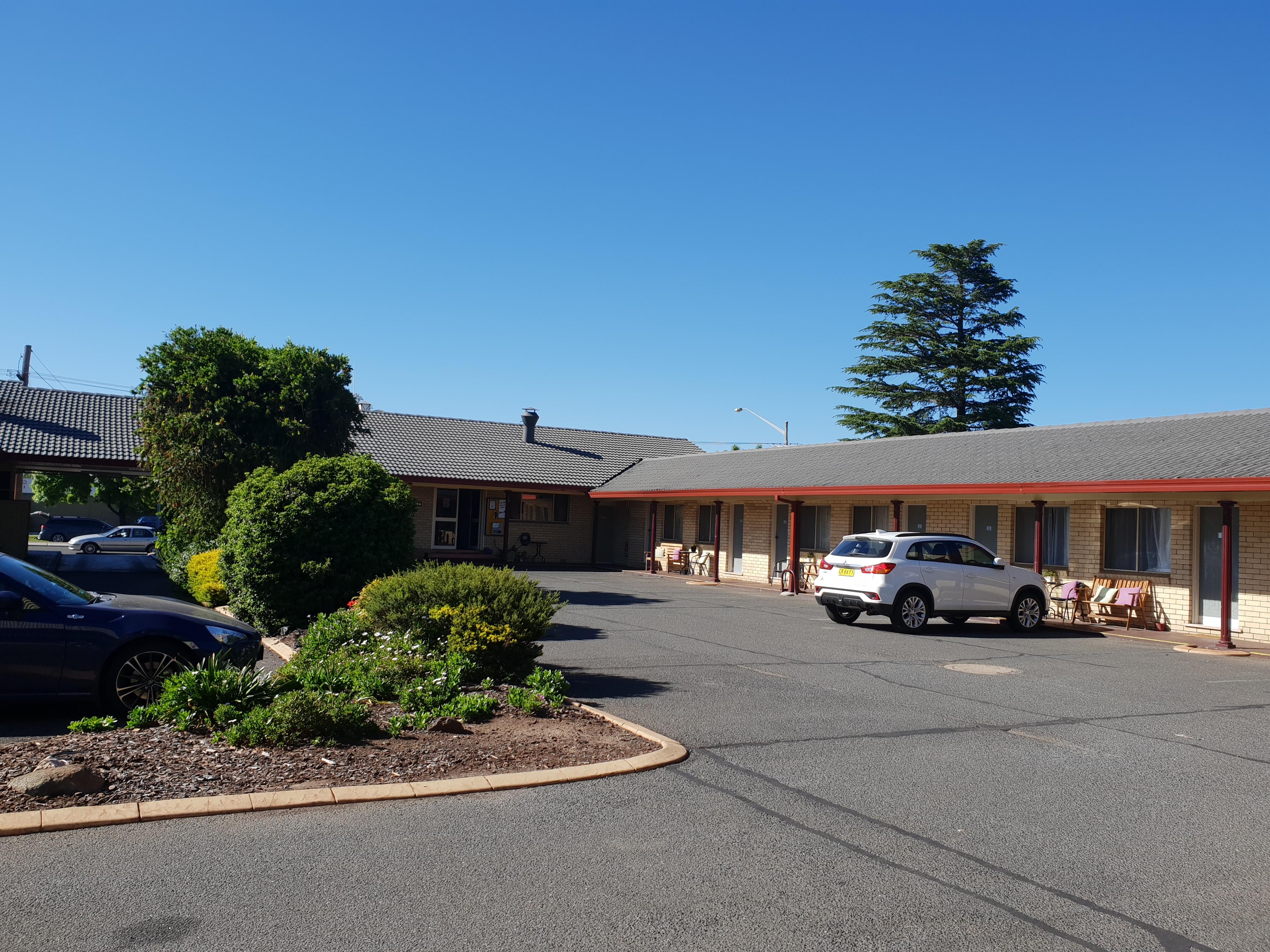 ゴールバンのステーキハウスが併設されてるモーテル『 Lilac City Motor Inn』