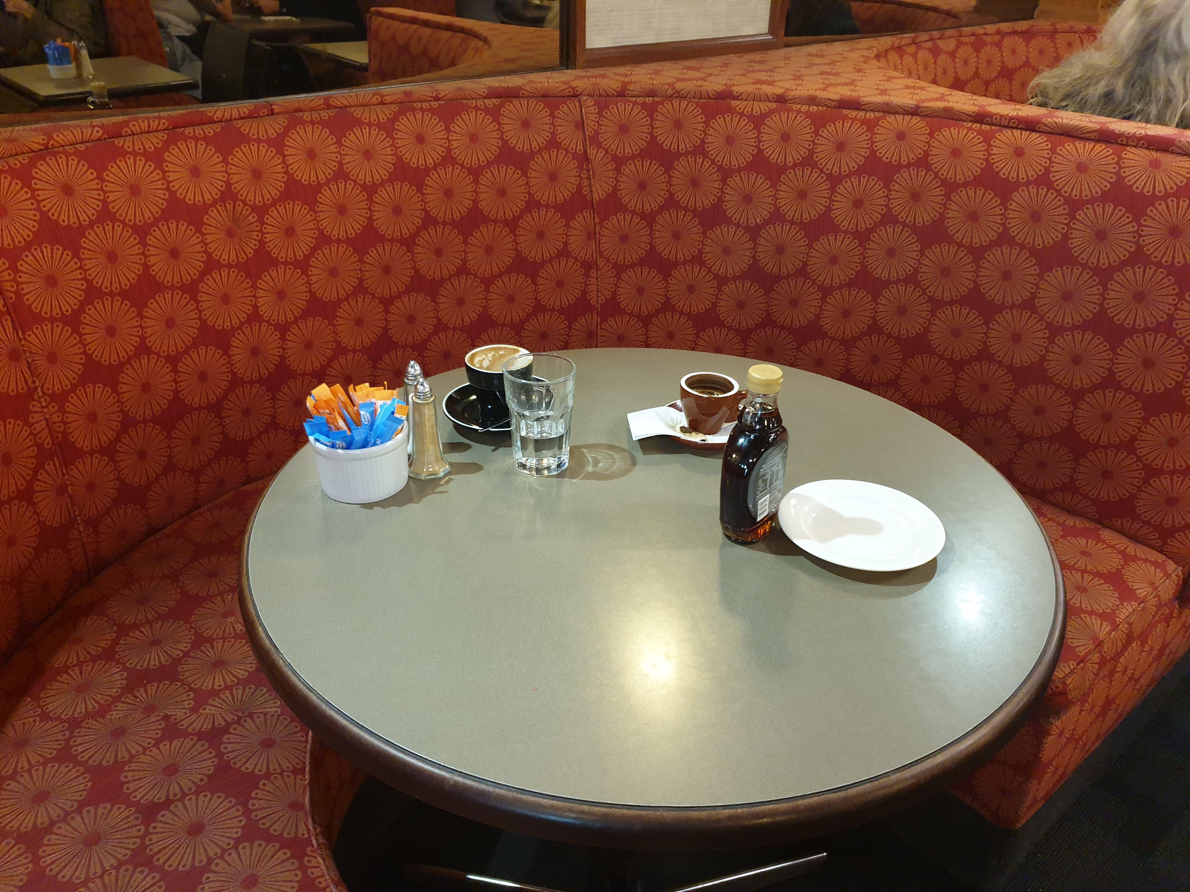 豊富なメニューが嬉しいボンダイジャンクションの Cosmopolitan Cafe
