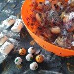 スーパーマーケットで楽しいハロウィンのお菓子探し♪