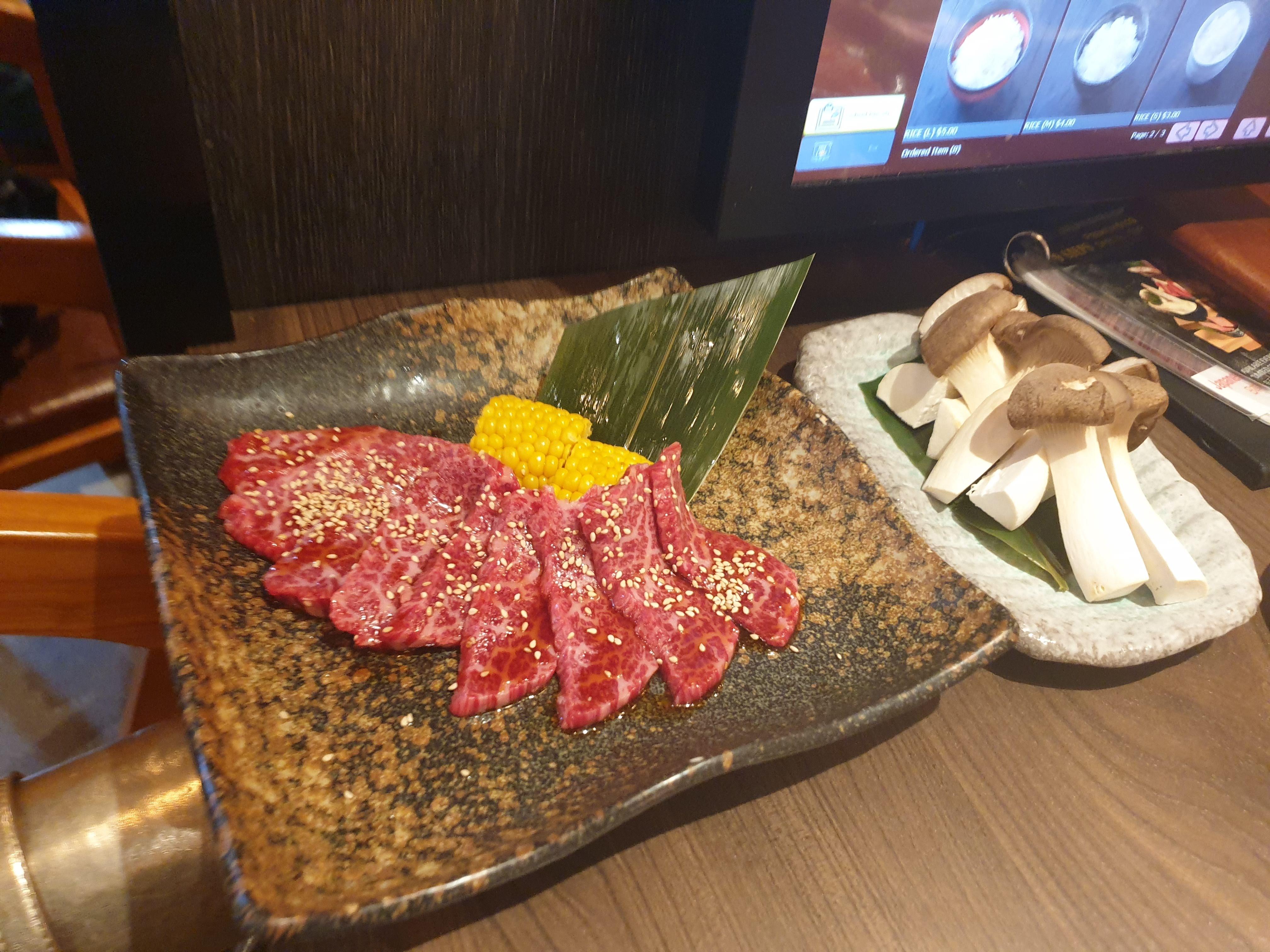 『無双』という焼き肉屋さんにパートナーと行ってみた