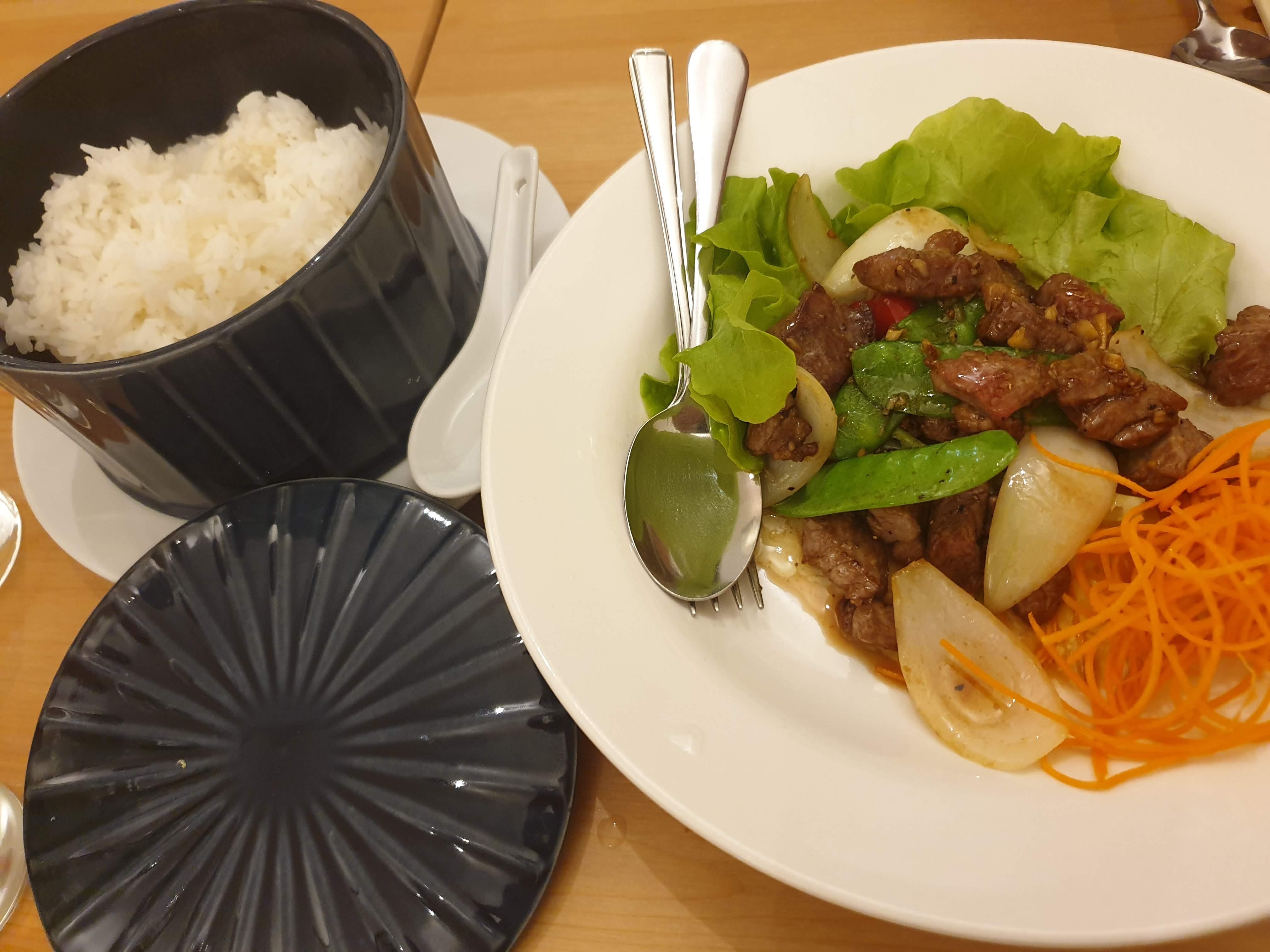 サリーヒルズのベトナムレストラン『Viet Eatery』