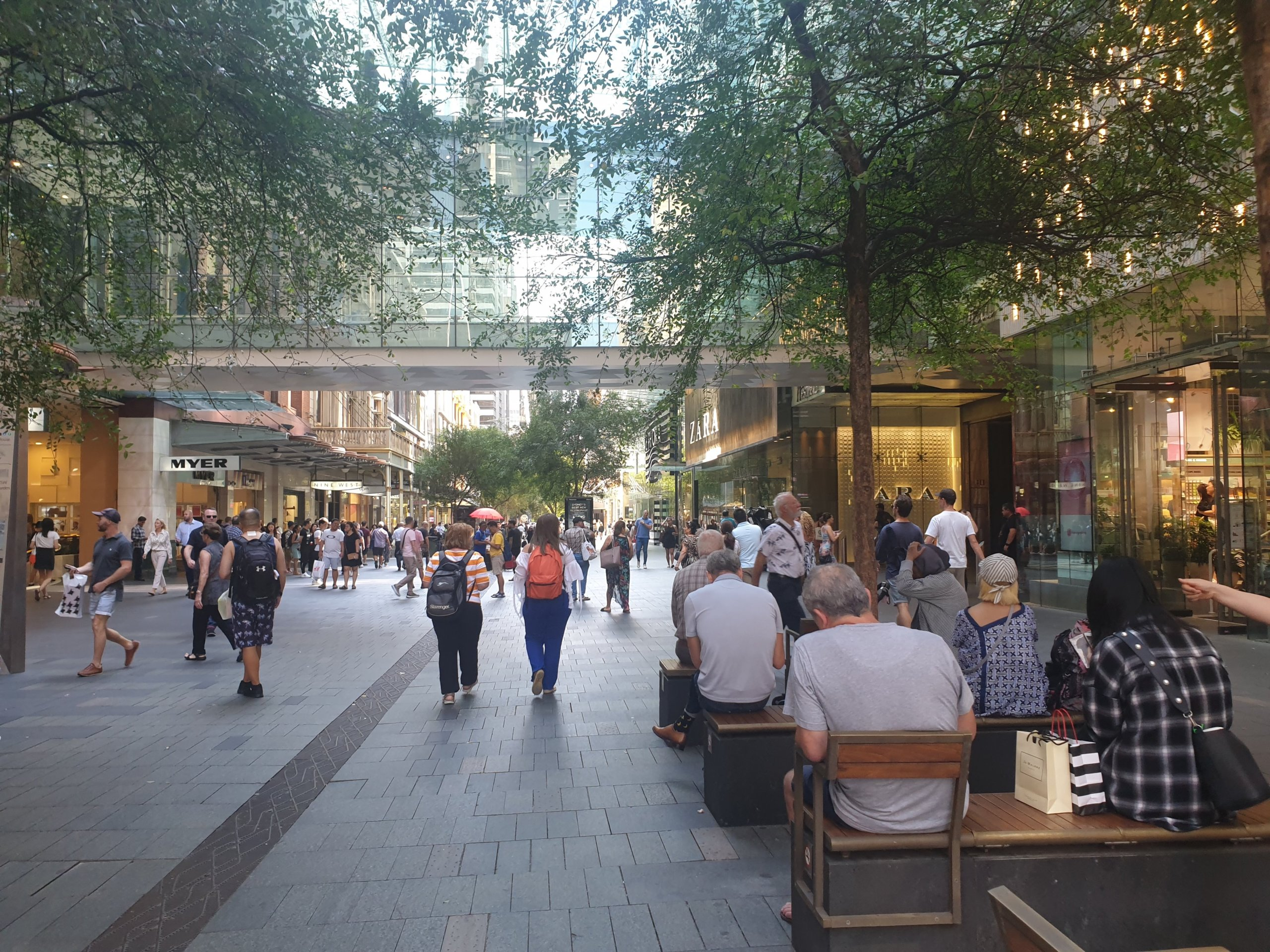 シドニーでショッピングならピットストリートモールへ