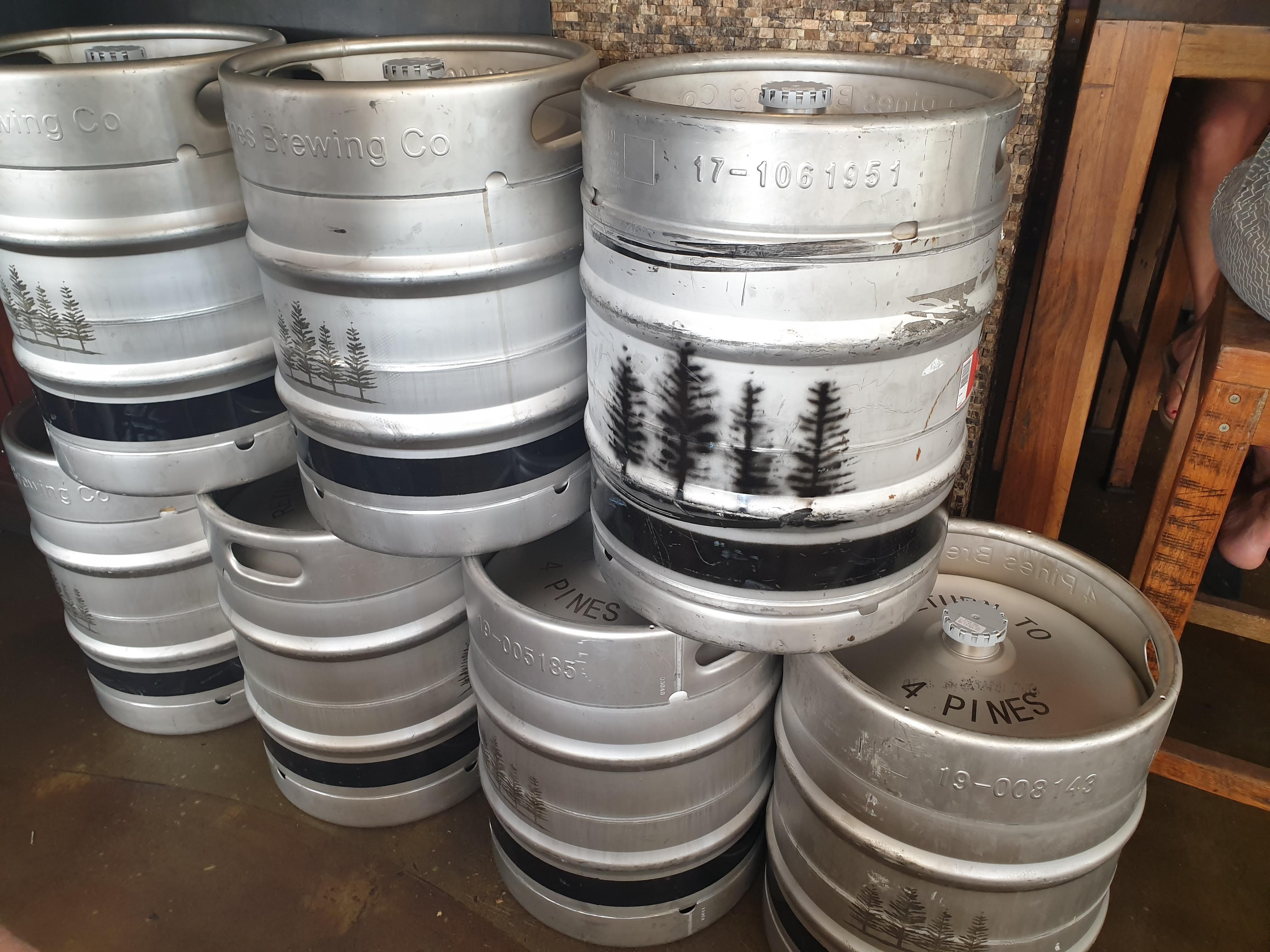 マンリー発の有名クラフトビールのブリュワリー & パブ『フォーパインズ (4 Pines) 』