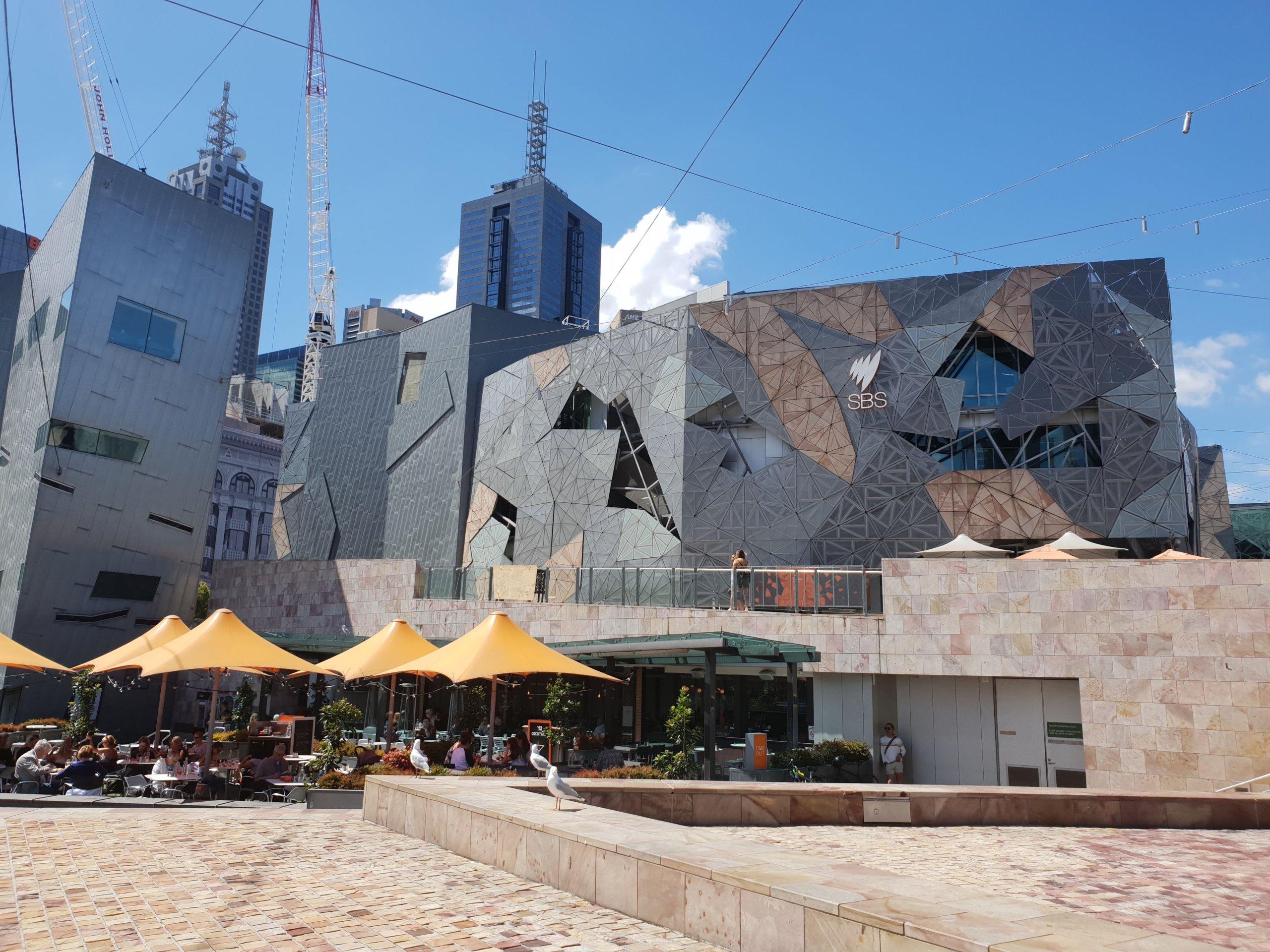 メルボルンで最初に訪れたいフェデレーションスクエアとその周辺