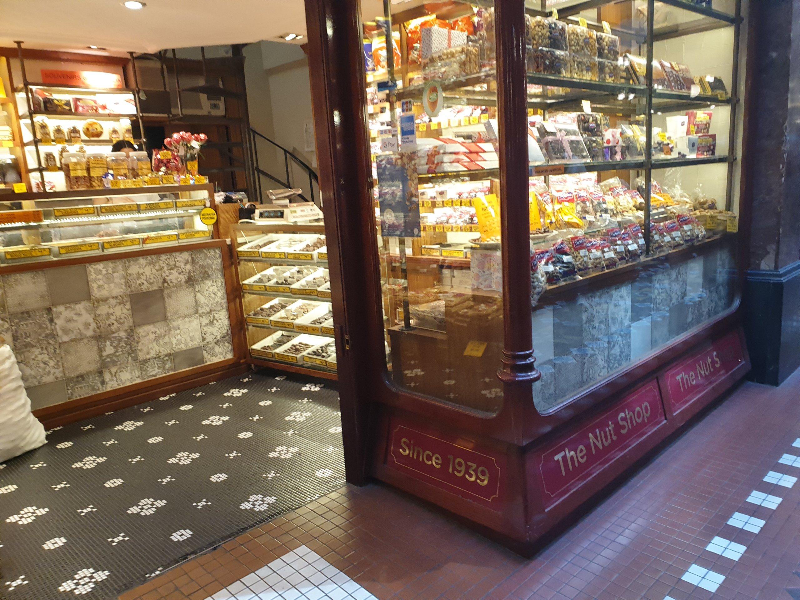 懐かしさを感じるシドニーのレトロなお菓子屋さん The Nut Shop