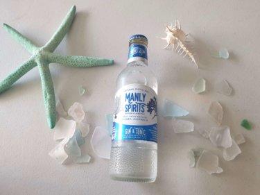 マンリーの海のように透き通るジンを蒸留する『MANLY SPRITS CO. 』