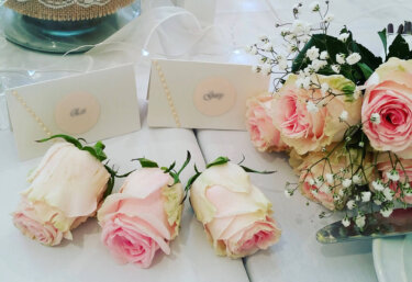 結婚記念日のプレゼントは『◯周年の贈り物リスト』を参考にしてみては?