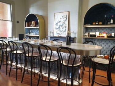 独房を改造したレストラン⁉︎ ロックスのモダンアジアンバー『Sergeant Lok』で歴史巡り
